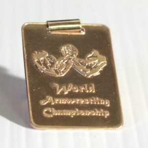 Золотой кулон World Armwrestling Championship